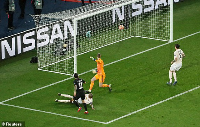 PSG 1-3 Man Utd: Chiến thắng đi vào lịch sử - 1