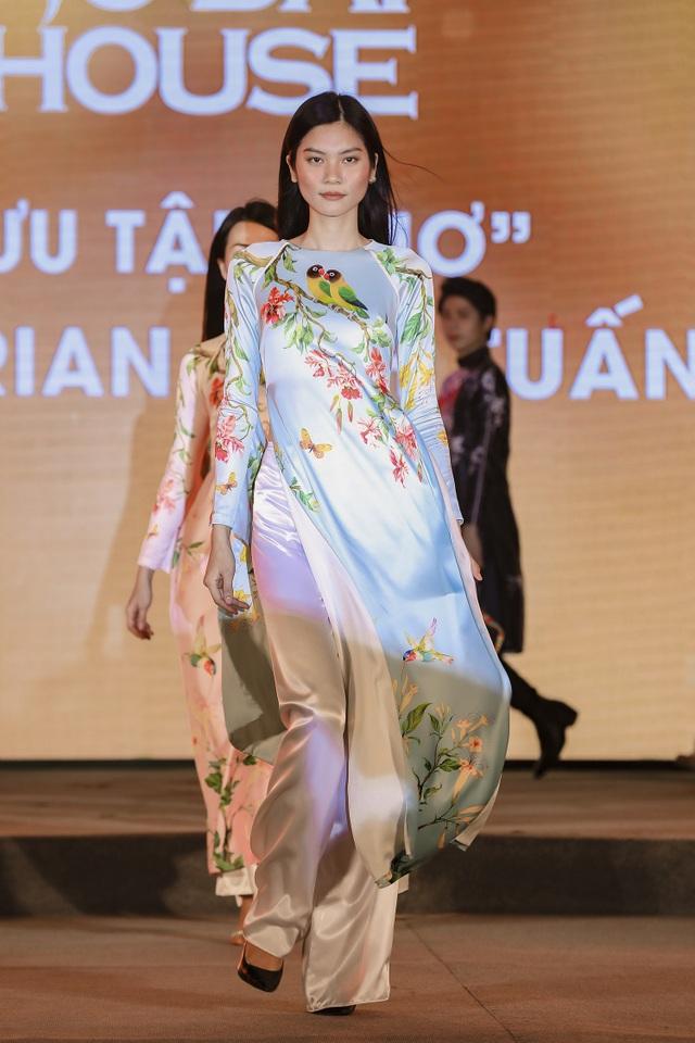H'Hen Niê truyền cảm hứng áo dài với chiếc áo dài thổ cẩm trắng - 5
