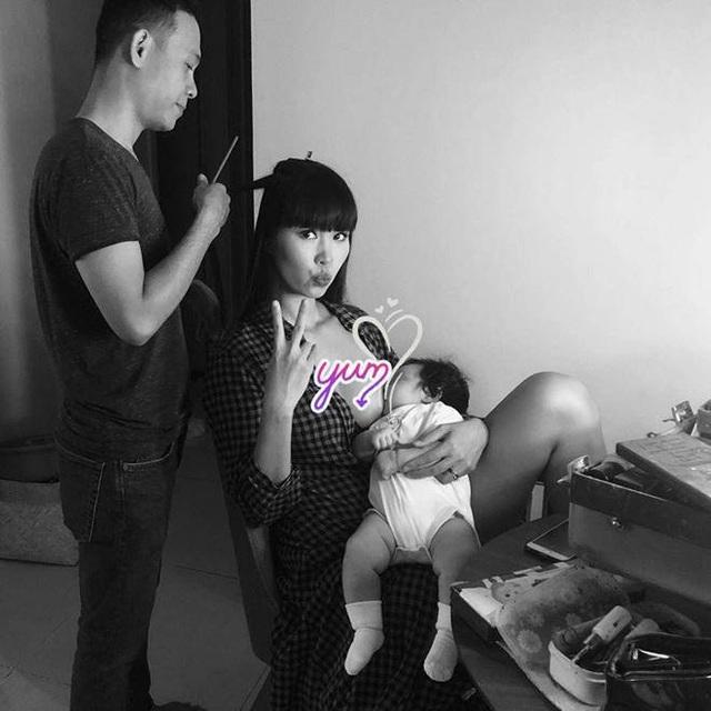 Khoảnh khắc đẹp của sao nữ Việt khi khoe ảnh... đang cho con bú - 12