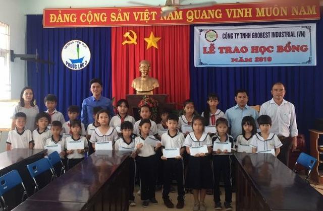 40 suất học bổng Grobest Việt Nam đến với học sinh nghèo tỉnh Bình Thuận - 2