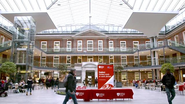 Học và nhận bằng Đại học Middlesex, Anh Quốc với chi phí tiết kiệm 75% - 4