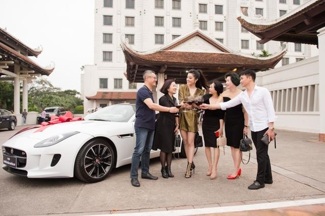 Sau khi đổi nhà mới, Á hậu Huyền My tiếp tục tậu siêu xe 6 tỷ đồng - 7