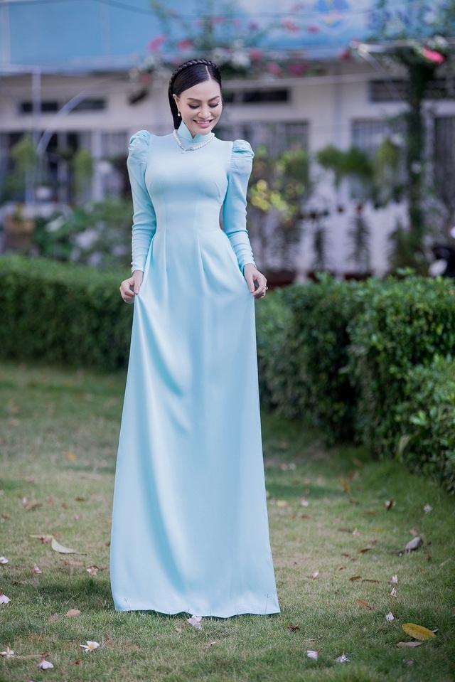 Nữ hoàng Trần Huyền Nhung với tình yêu lớn dành cho áo dài truyền thống Việt Nam. - 4