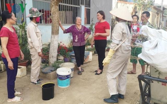 Lặng thầm công việc của những nữ công nhân môi trường phố núi - 3