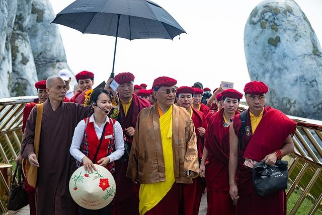 Pháp Vương Gyalwang Drukpa thăm cầu Vàng tại Bà Nà Hills - 2