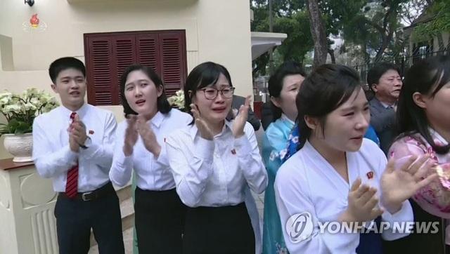Triều Tiên chiếu bộ phim đặc biệt dài 78 phút về chuyến thăm Việt Nam của ông Kim Jong-un - 5