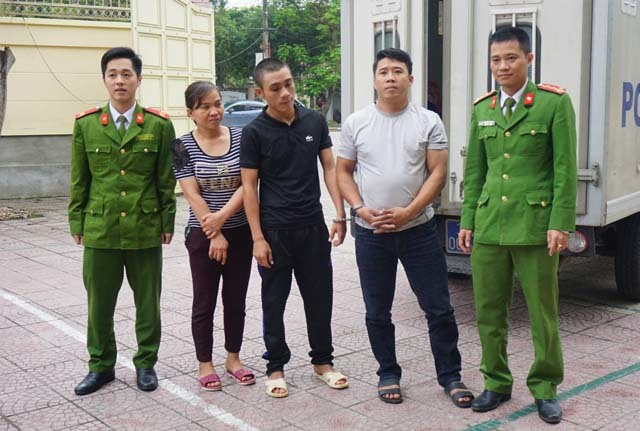 Bắt 3 đối tượng trốn truy nã về thi hành án - 1
