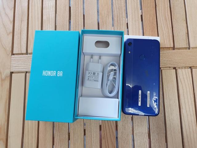 Đập hộp Honor 8A - smartphone dưới 3 triệu có màn hình giọt nước - 1