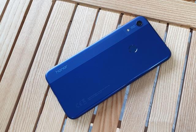 Đập hộp Honor 8A - smartphone dưới 3 triệu có màn hình giọt nước - 4
