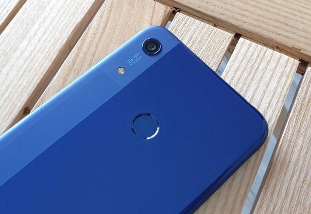 Đập hộp Honor 8A - smartphone dưới 3 triệu có màn hình giọt nước - 6