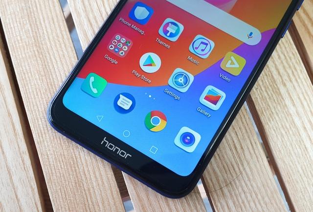 Đập hộp Honor 8A - smartphone dưới 3 triệu có màn hình giọt nước - 10
