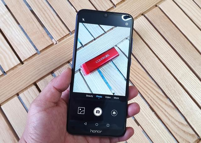 Đập hộp Honor 8A - smartphone dưới 3 triệu có màn hình giọt nước - 7