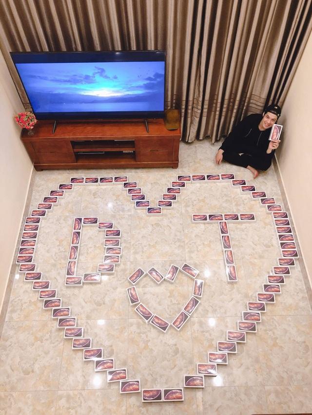 """Thanh niên chơi lớn, mua 99 hộp socola """"iPhone XS Max"""" tặng bạn gái ngày 8/3 - 1"""