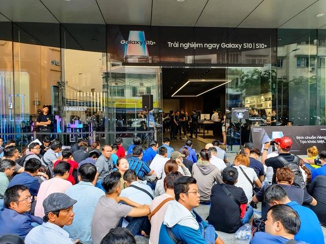 Galaxy S10 chính thức được bán ra tại Việt Nam - 2