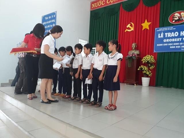 70 suất học bổng Grobest Việt Nam đến với học sinh nghèo Đồng Nai - 1