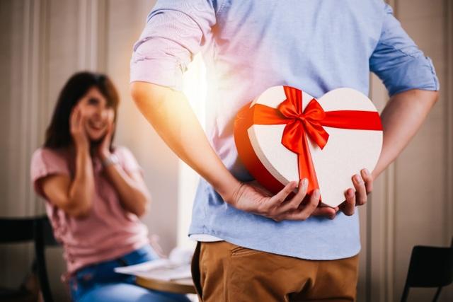 Giải ngay bài toán 8/3 năm nay tặng nàng quà gì? - 1