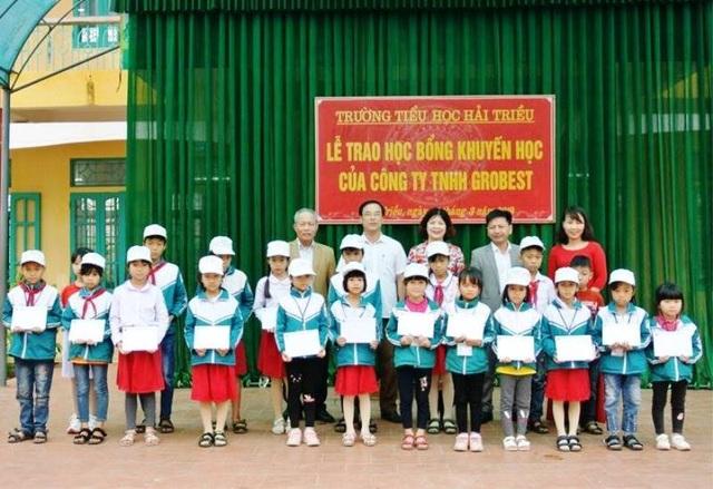 Trao 120 suất học bổng Grobest Việt Nam đến học sinh nghèo Nam Định, Ninh Bình - 5