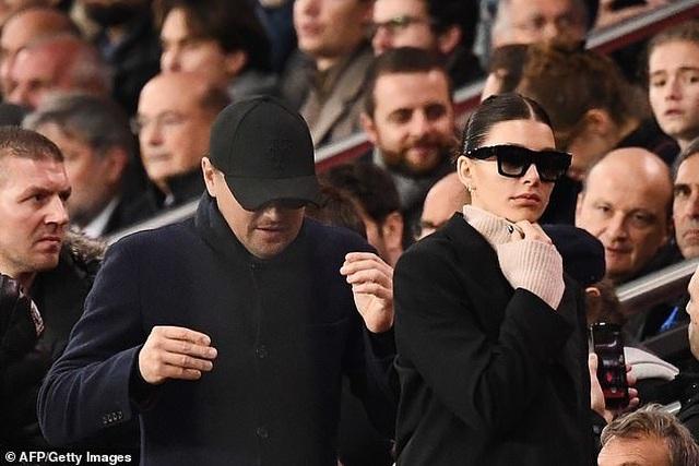 Leonardo DiCaprio ra phố cùng bạn gái kém 23 tuổi - 8