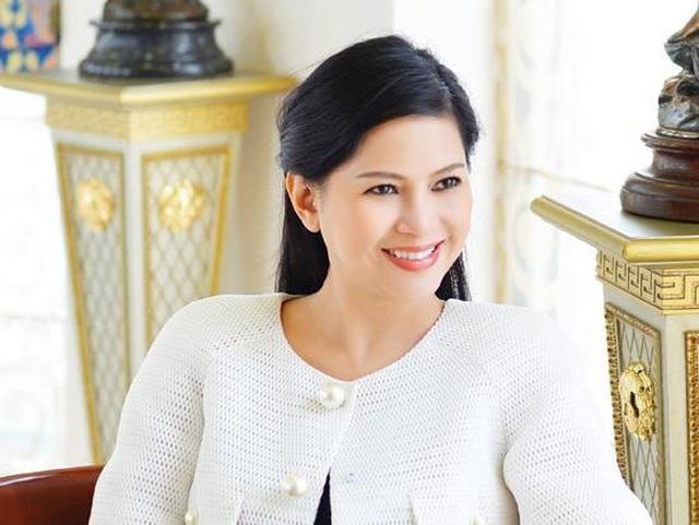 Nữ tỷ phú Việt: Quyền lực sánh cùng Hillary Clinton, chơi vụ lớn 37 tỷ USD - 4