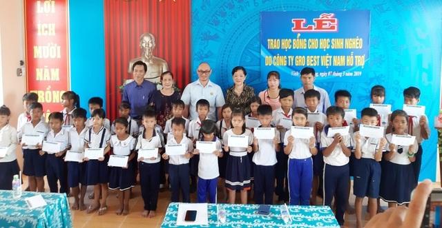 Trao hơn 350 suất học bổng Grobest đến học sinh nghèo Bạc Liêu - 4