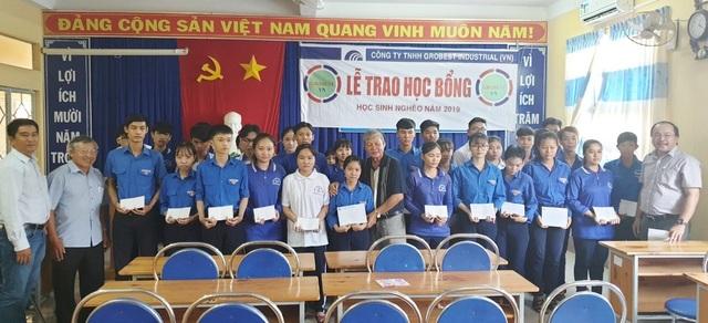 Trao hơn 350 suất học bổng Grobest đến học sinh nghèo Bạc Liêu - 14