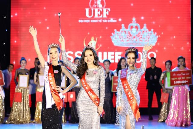 Ngắm nhan sắc nữ sinh vừa đăng quang hoa khôi ĐH Kinh tế tài chính 2019 - 1