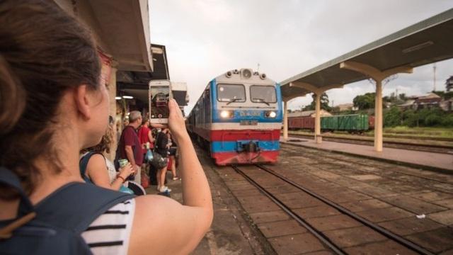Vietnam_Hue_Train_4823-e1491271308461.jpg