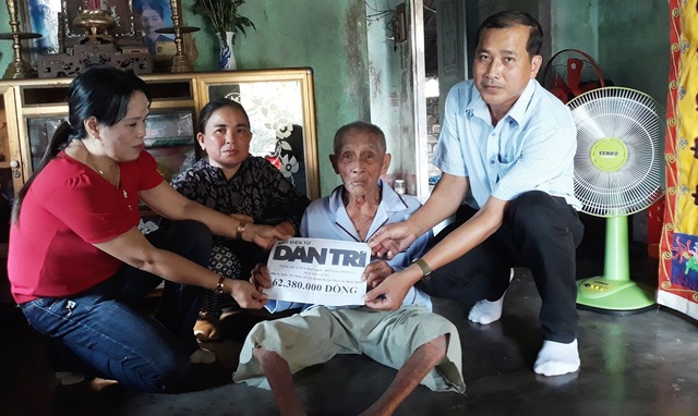 Bạn đọc Dân trí giúp cụ Nguyễn Lừng hơn 62 triệu đồng - 1