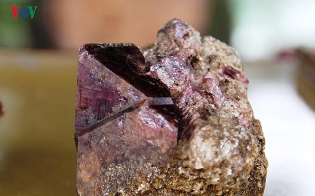 Độc đáo chợ đá quý đất ngọc Yên Bái - 15
