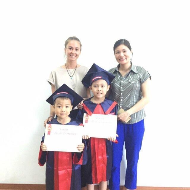 Cảm động bé lớp 2 vùng cao cùng mẹ vượt hơn 100km để học tiếng Anh - 5