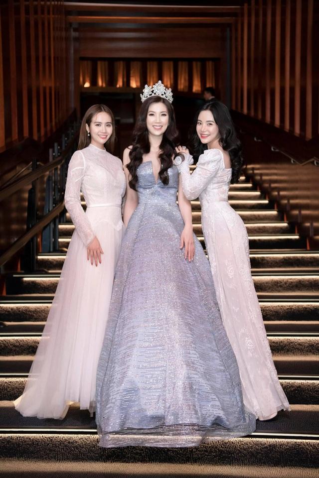 NSƯT Chiều Xuân, NSND Hoàng Dũng chúc mừng Hoa hậu Thuỳ Linh ngày trao lại vương miện - 1