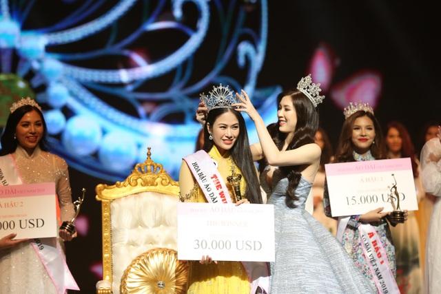 NSƯT Chiều Xuân, NSND Hoàng Dũng chúc mừng Hoa hậu Thuỳ Linh ngày trao lại vương miện - 5