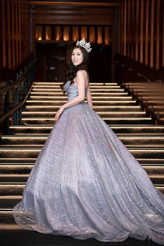 NSƯT Chiều Xuân, NSND Hoàng Dũng chúc mừng Hoa hậu Thuỳ Linh ngày trao lại vương miện - 2