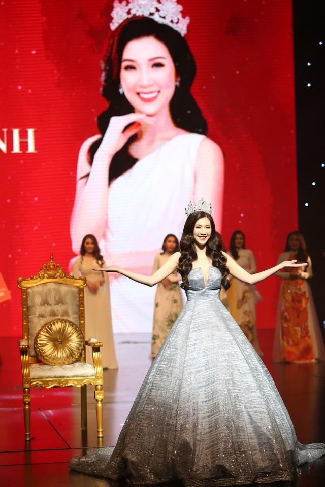 NSƯT Chiều Xuân, NSND Hoàng Dũng chúc mừng Hoa hậu Thuỳ Linh ngày trao lại vương miện - 3