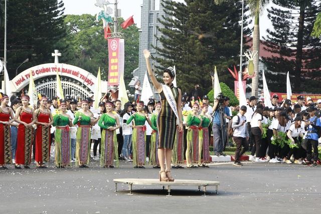 Ấn tượng Lễ hội đường phố đa sắc màu tại thủ phủ cà phê Việt Nam - 6