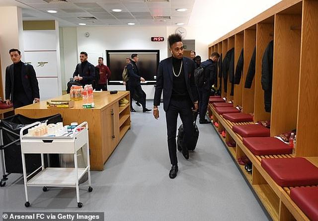 Arsenal 2-0 Man Utd: Trả giá vì những sai lầm - 15