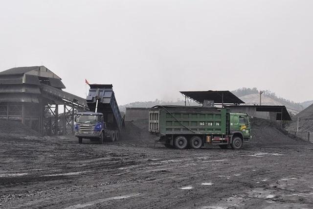 Khai thác vượt mức gần 80.000 tấn than, doanh nghiệp bị xử phạt 260 triệu đồng - 1