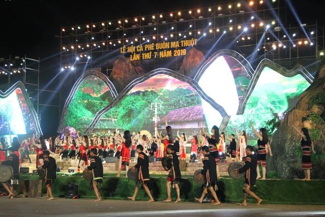 Khai mạc lễ hội cà phê Buôn Ma Thuột ấn tượng, đầy sắc màu - 3