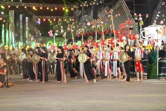 Khai mạc lễ hội cà phê Buôn Ma Thuột ấn tượng, đầy sắc màu - 4