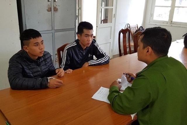 Lên Đà Lạt chơi, 2 thanh niên cướp giật tài sản của khách nước ngoài - 1