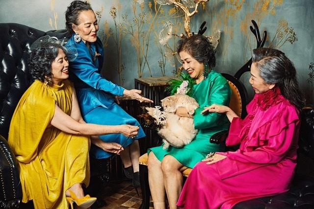 """Bộ ảnh ý nghĩa về tình bạn vượt thời gian của """"những cô gái trẻ với một vài nếp nhăn"""" - 8"""