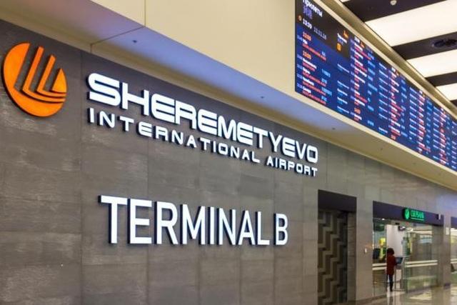 Nhân viên sứ quán Mỹ bị cáo buộc mang pháo cối vào sân bay lớn nhất của Nga - 1