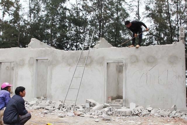 Vụ đào ao nuôi tôm, phá rừng phòng hộ: Dỡ nhà vi phạm, buộc trồng lại cây - 2