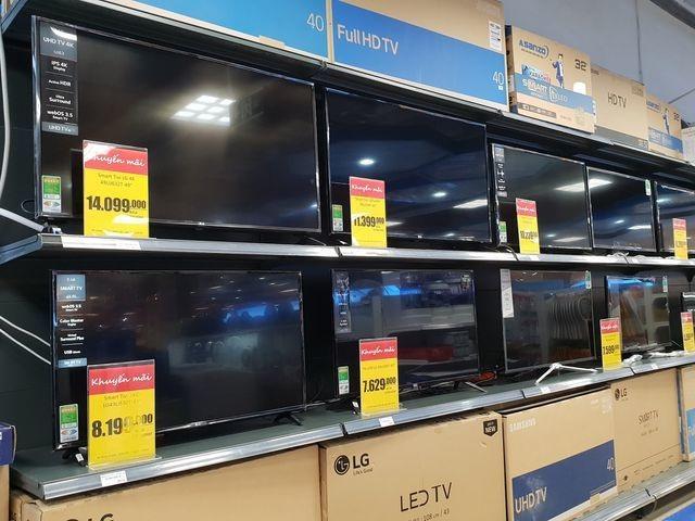 Thị trường TV cao cấp giảm mạnh, có mẫu rơi giá chục triệu đồng - 1