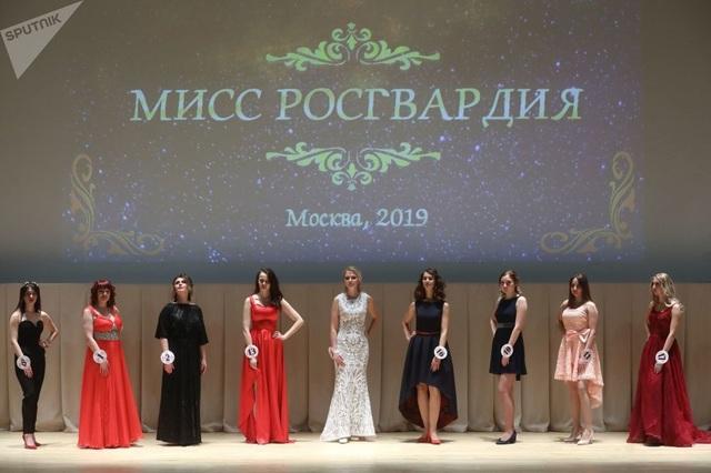 Vẻ đẹp của các nữ quân nhân thi hoa hậu vệ binh quốc gia Moscow - 2