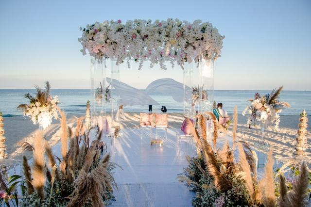 Tiết lộ bất ngờ về đám cưới triệu đô của cặp tỷ phú Ấn Độ tại Phú Quốc  - 1