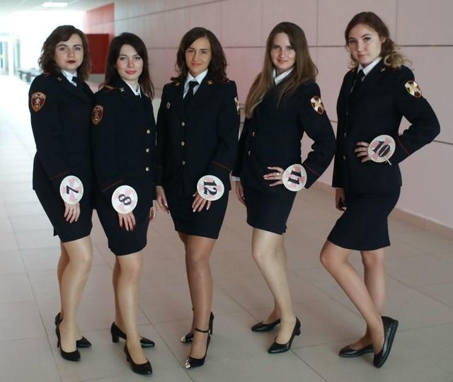 Vẻ đẹp của các nữ quân nhân thi hoa hậu vệ binh quốc gia Moscow - 4
