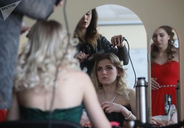 Vẻ đẹp của các nữ quân nhân thi hoa hậu vệ binh quốc gia Moscow - 6