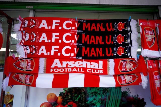 Những khoảnh khắc trong trận chiến Arsenal hạ gục Man Utd - 1
