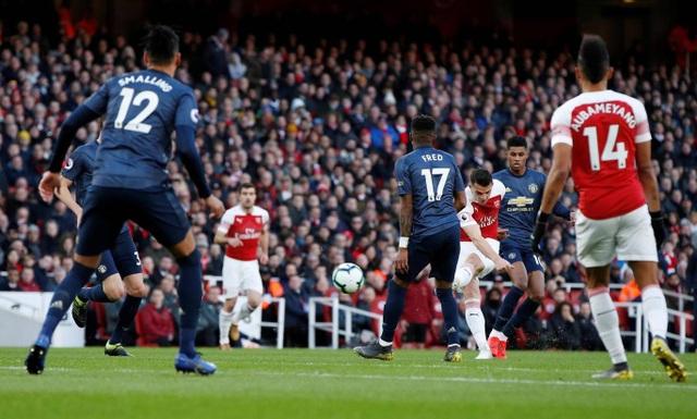 Những khoảnh khắc trong trận chiến Arsenal hạ gục Man Utd - 6